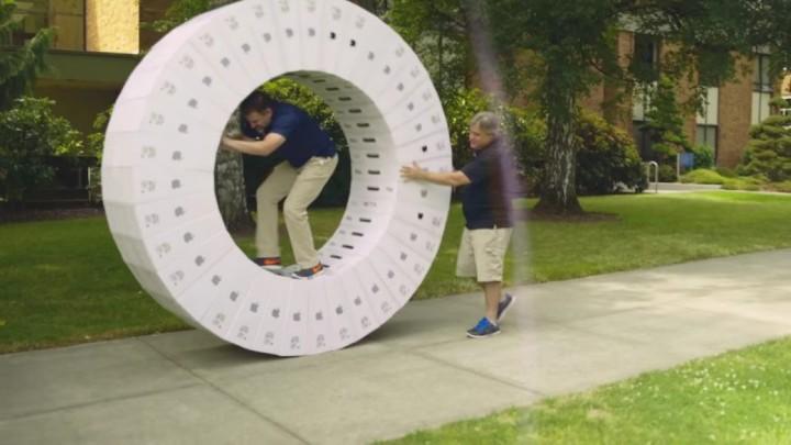 IT9 都好有創意!用 36 個 iMac 包裝盒玩轉校園