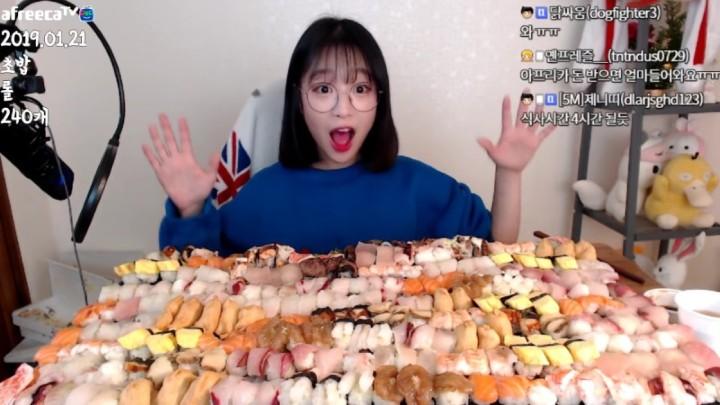 放題餐廳不受歡迎人物!泡菜妹鯨吞 240 件壽司