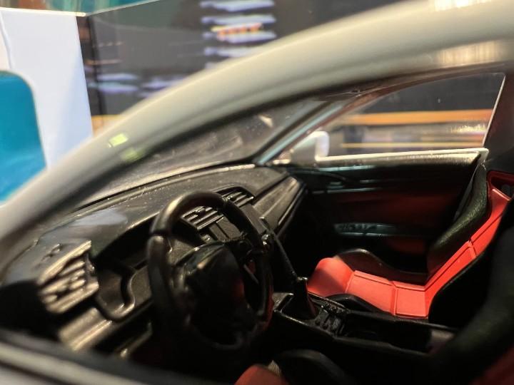 微距相片:透過相片觀察模型車的內飾