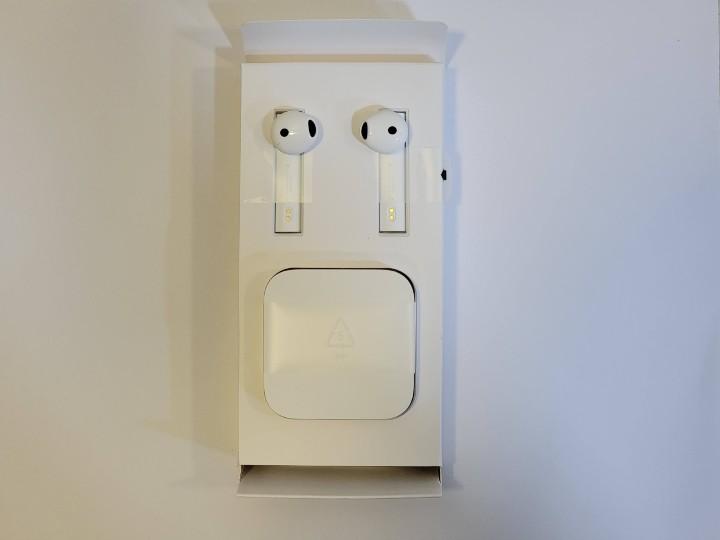 打開耳機和充電盒照舊分開放